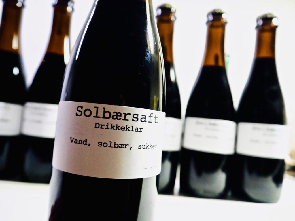 Solbærsaft – drikkeklar og pasteuriseret